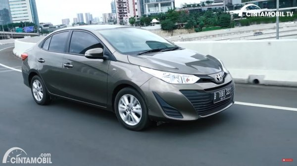 Foto Toyota Vios E CVT