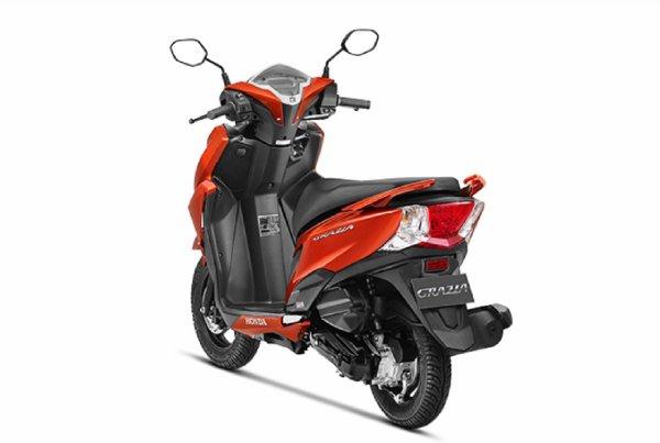 Tampilan belakang Honda Grazia 125 Sports Edition