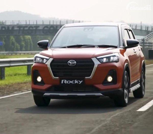 Gambar Daihatsu Rocky ADS