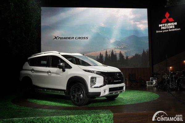 Gambar Xpander Cross