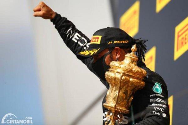 Gambar Lewis Hamilton