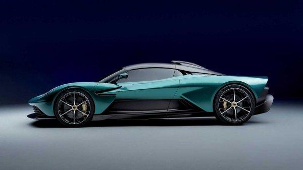 Gambar menunjukan mobil baru Aston martin