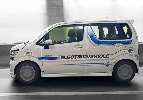 Foto menunjukkan mobil listrik Suzuki Karimun Wagon R EV