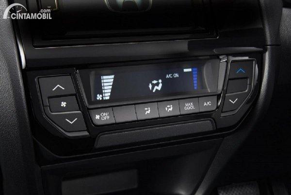 AC Digital yang ditemukan pada Honda Brio