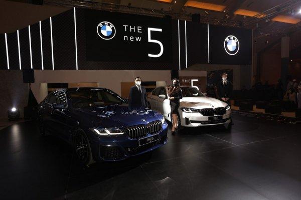 Gambar menunjukan BMW