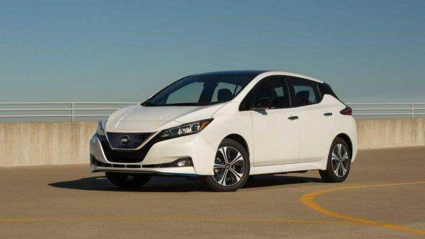 Gambar menunjukan Nissan Leaf