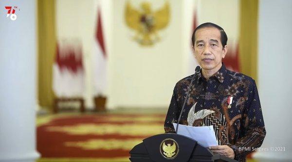 Foto menunjukkan Presiden Joko Widodo mengumumkan perpanjangan PPKM Level 4 hingga 9 Agustus