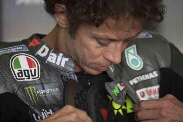 Gambar menunjukan Rossi