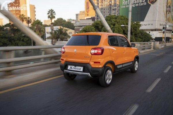 Foto tampilan belakang Suzuki S-Presso