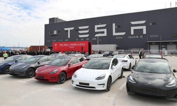 Foto menunjukkan pabrik Tesla di China