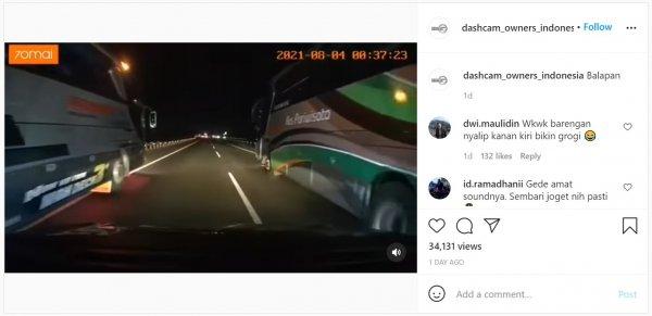 Foto pengendara mobil disalip dua bus secara bersamaan