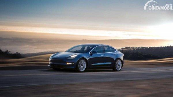 Gambar Tesla