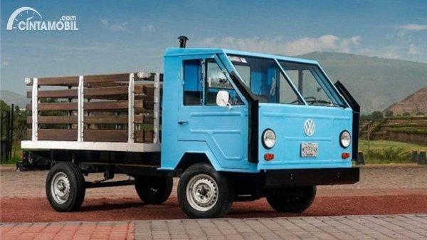 truk pikap Volkswagen dengan nama Basis Transporter