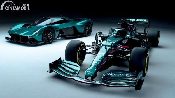 Gambar Aston Martin Valkyrie dan F1