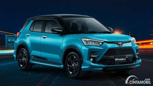 Toyota Raize biru