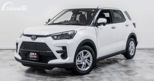 Toyota Raize putih