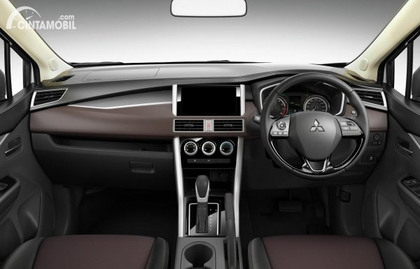 interior Mitsubishi Xpander Cross 2021 berwarna hitam