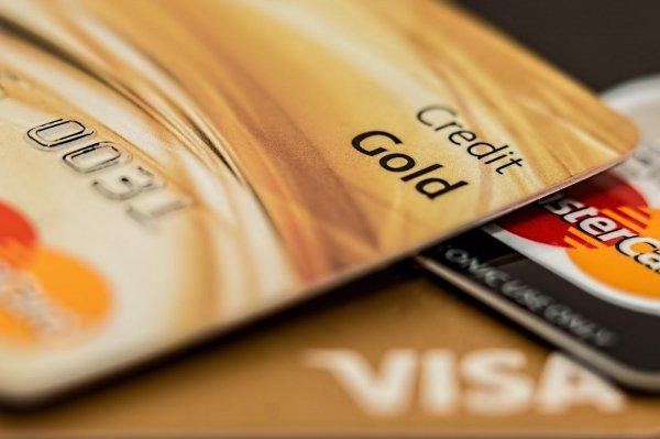 Gambar menunjukan Kartu kredit
