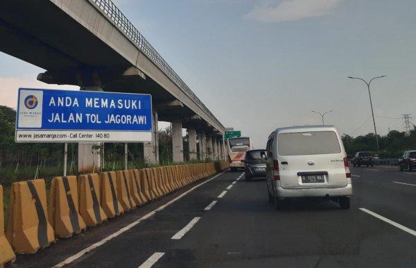 Foto lalu lintas di Tol Jagorawi