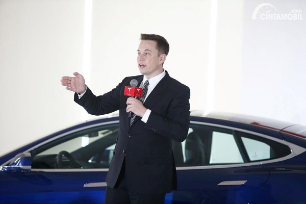 Gambar Elon Musk Tesla