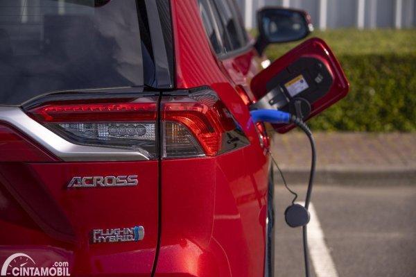 Suzuki ACross PHEV 2021